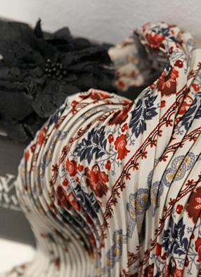 사각 꽃 주름스카프